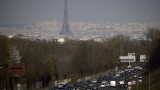 Франция навлиза в третата COVID блокада