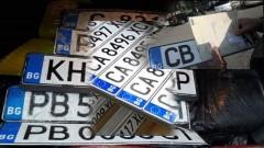 Засякоха коли без регистрационни табели в Добричко