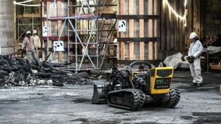 Еколози съдят френските власти за натравяне с олово от Нотр Дам