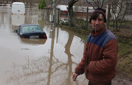 Общините Гълъбово и Раднево продължават да бедстват