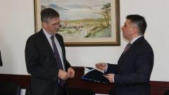 Австралийският посланик стигна до министър Кирилов