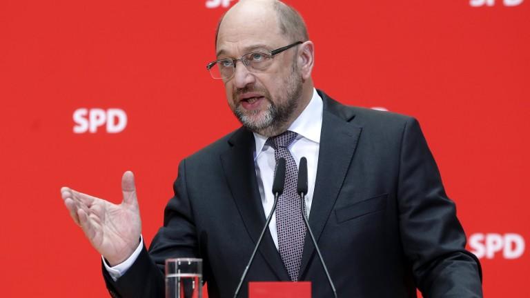 Социалдемократите решават в понеделник дали ще са част от управлението в Германия