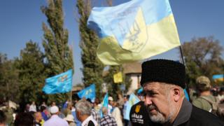 Русия освободи двама водещи активисти на кримските татари, отидоха в Турция
