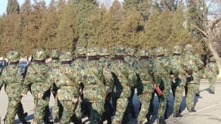 Уволниха се последните наборни войници