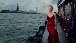 Дженифър Лорънс се снима гола във Vogue