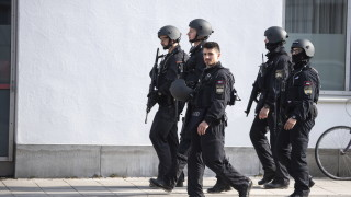 Италиански ултраси взривиха колата на нападател на собствения си отбор