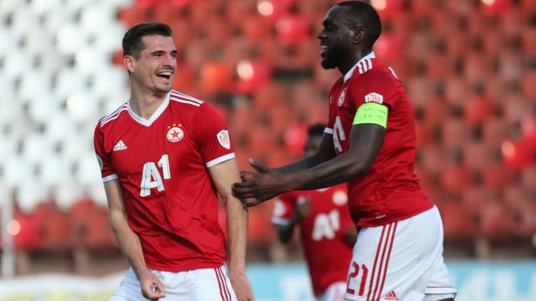 Мено Кох: Трябва да покажем, че сме по-добрият отбор в София