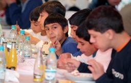 Закриваме още 8 дома за деца, се похвали властта