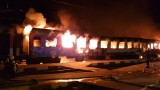 Горя бързият влак на гара Коньово
