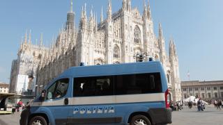Трима загинали при рухване на жилищна сграда в Милано