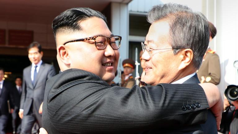 Лидерите на Северна и на Южна Корея имаха двучасова среща