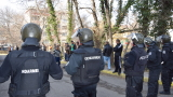 Протестите във Войводиново след побоя на командос не стихват
