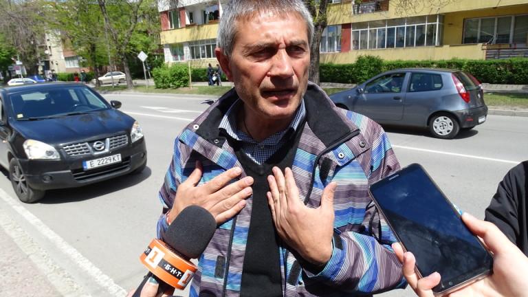 Мирослав Писов, един от петимата полицаи, осъдени вчера от Върховния