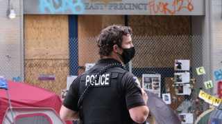 Федералните агенти се изтеглиха от Сиатъл