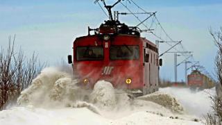 140 км/ч достигна скоростта на вятъра в Сърбия, обстановката остава сложна