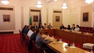Събират подписи за изравняване на заплащането на труда в ЕС