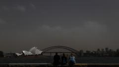 Голяма прашна буря в югоизточната част на Австралия