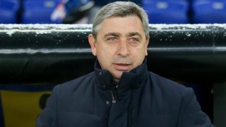 Новият старши треньор на ВереяОлександър Севидов изведе 12 футболисти за