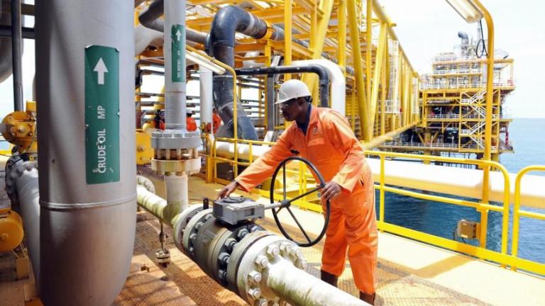 Най-голямата икономика в Африка реши да си поиска още $62 милиарда от печалбата на петролните компании