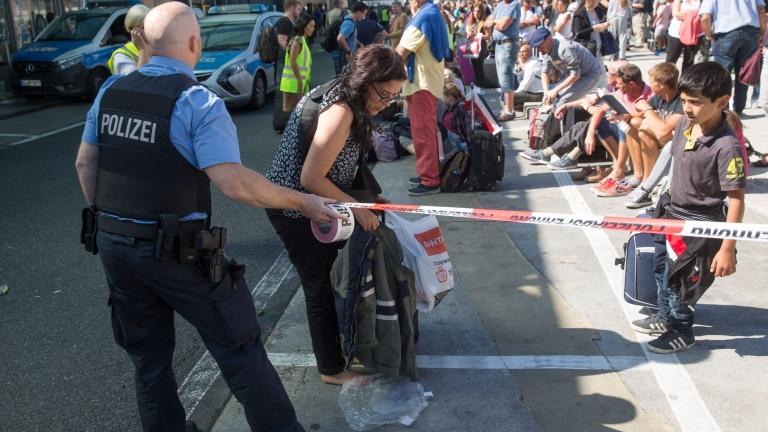 Не откриха бомба на летището във Франкфурт
