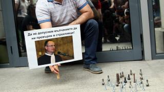 Подкрепят Лозан Панов с болтове пред ВСС