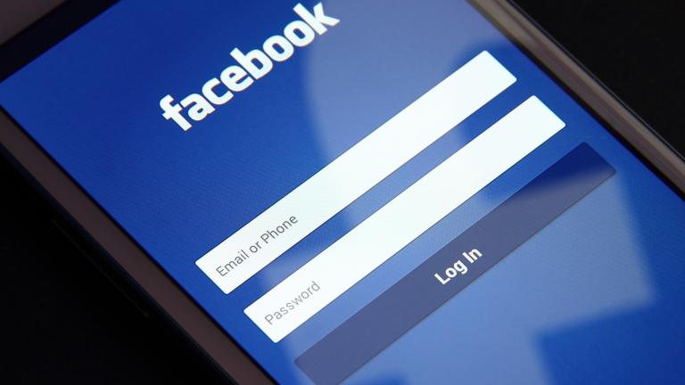 Facebook достигна 2 милиарда потребители