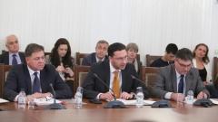 Митов и Ненчев обясниха на депутатите колко голяма е опасността от Русия в Черно море