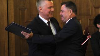 ДАНС и прокуратурата проверяват министър Ненчев