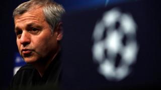 Лион остава без треньор след края на сезона