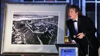Снимка от Медведев по-скъпа от картина на Путин
