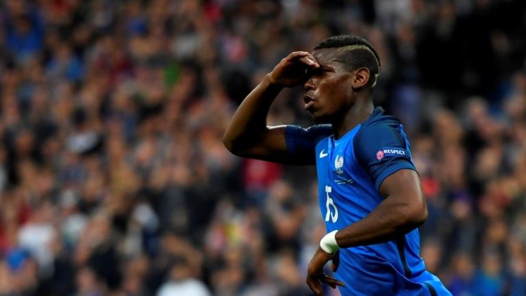 Полузащитникът на националния отбор на Франция Пол Погба посвети снощната