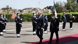 Радев вижда Италия като интересен модел за България