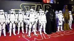 """Как новият филм от """"Междузвездни войни"""" спечели един от най-трудните пазари в света?"""