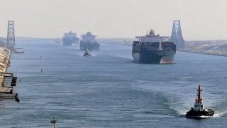 Петролът поевтинява след новините за освобождаването на Ever Given