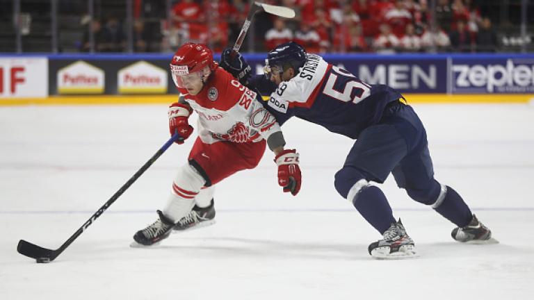 Един от фаворитите за световната титла по хокей на лед