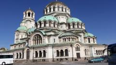До седмица ще ограничат спирането на бусове край храм-паметника Св. Александър Невски?