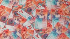 Швейцарските банки се разделиха с 970 милиона франка в такси заради големите депозити