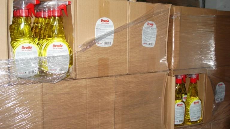 Митничари задържаха 975 литра спирт и 444 литра ракия в
