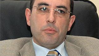 Транспортният министър обяви края на черния пазар с книжки