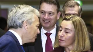 Брюксел наложи санкции и оръжейно ембарго на Венецуела