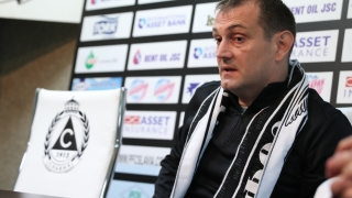 Славия представи официално Златомир Загорчич