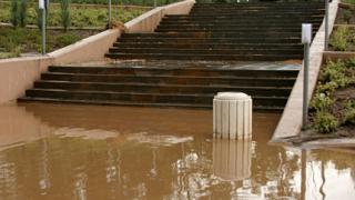 49 акции за справяне с последиците от земетресението и дъжда