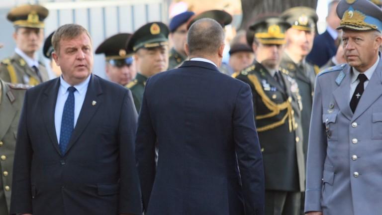 Тук трябва да уважим сините барети, заяви военният министър Красимир