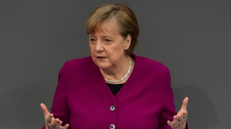 Меркел видя разклащане на ЕС, ако всеки поотделно купува ваксини
