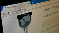 """Руска следа откри """"Уикилийкс"""" в изтеклите документи на Макрон"""