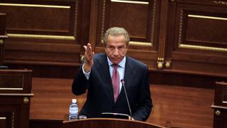 Косовският президент отстъпи пред съда