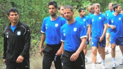 Фернандес и  Морис тренират  с топка
