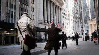 Вдигнете данъците ни, зоват милионери в щата Ню Йорк