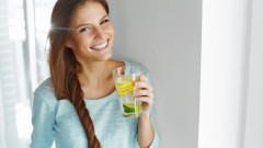 Водата с лимон е полезна, но има и вреди