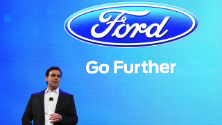 Шефът на Ford: Разглобяваме колите на всички конкуренти